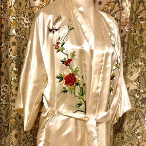 Silk Embroidered Kimono (1X-3X)